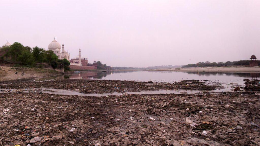 اثرات آلودگی آبهای زیرزمینی